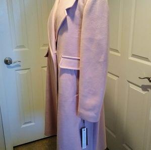Beautiful women coat!